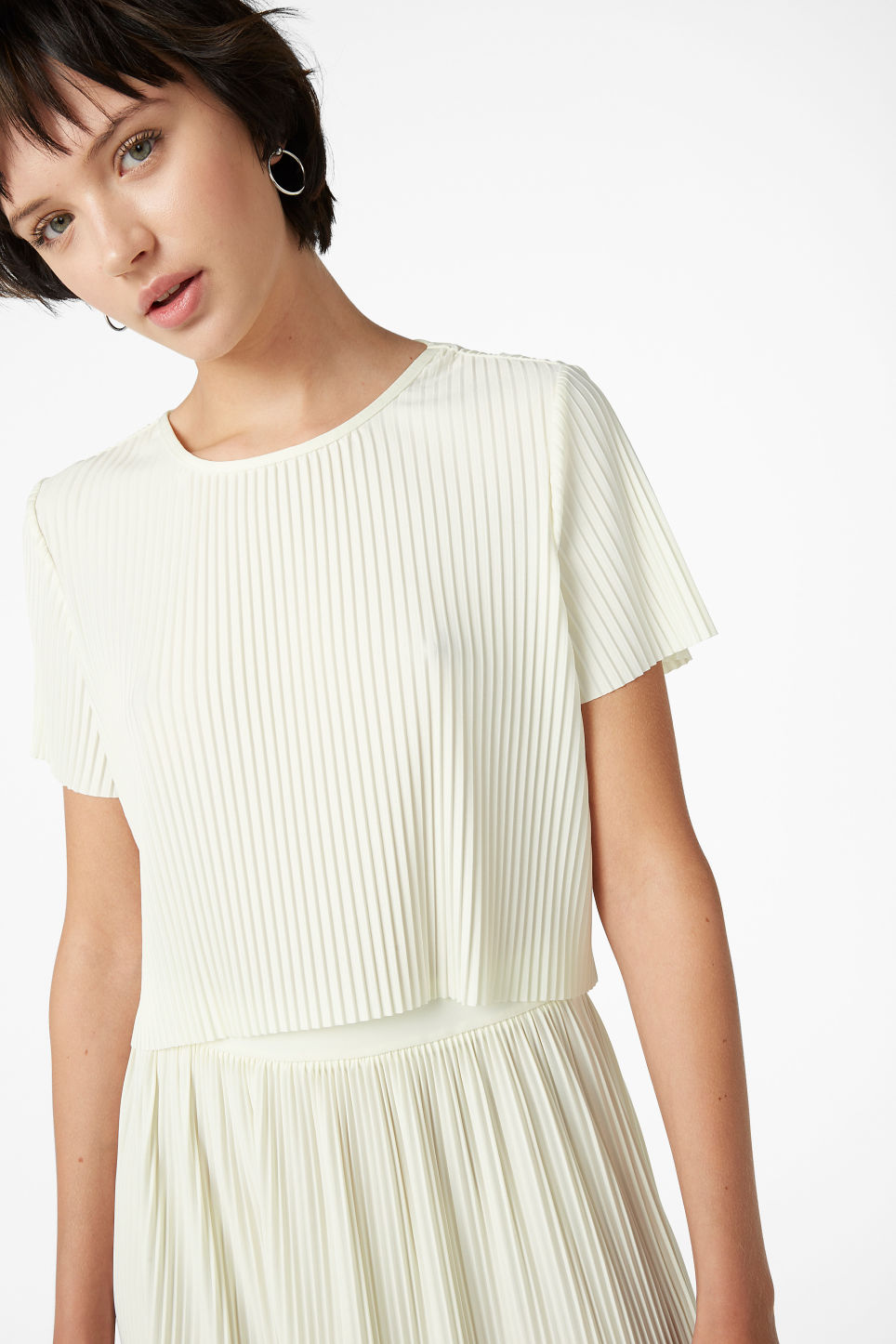 Model front image of Monki pleated top in white