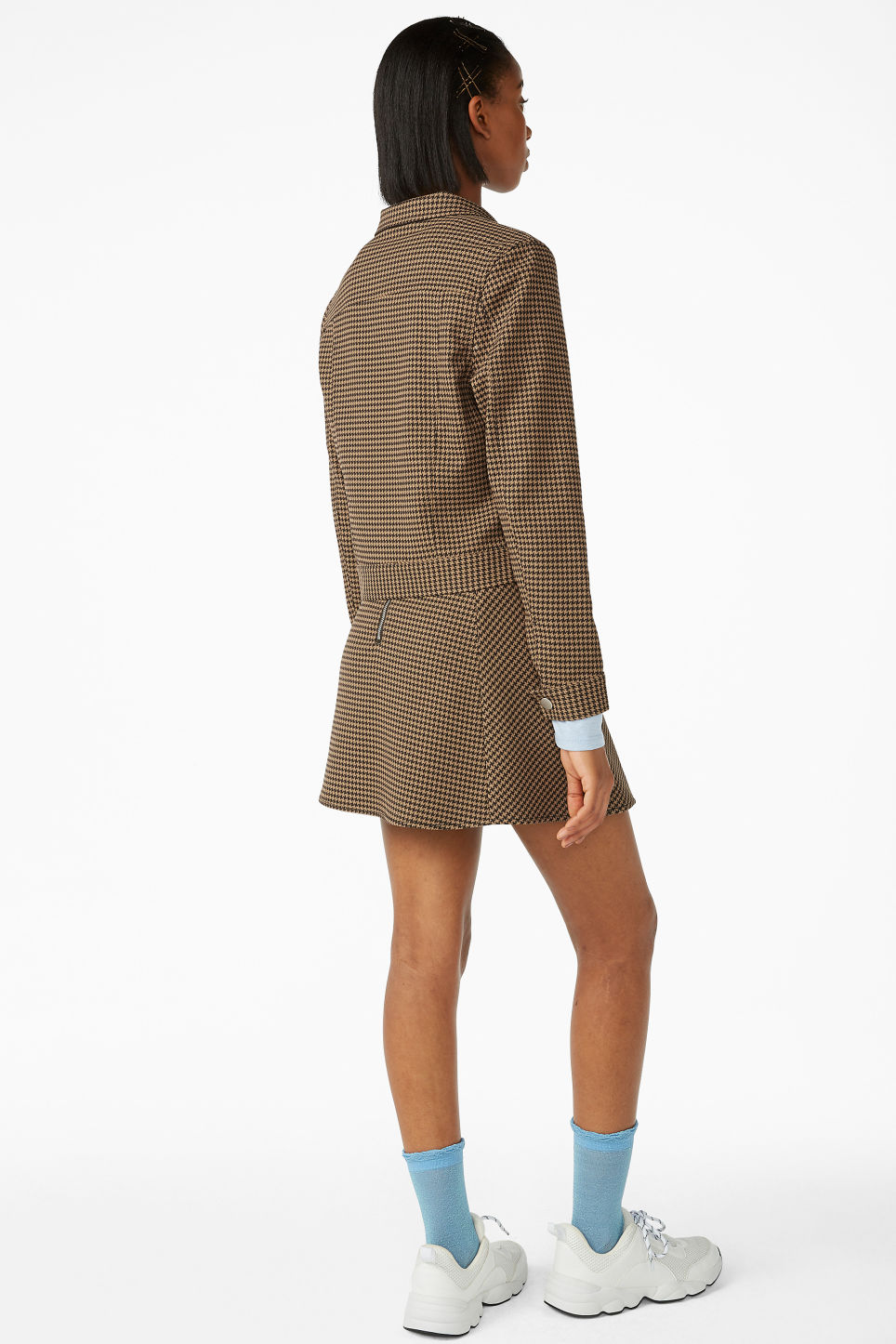 Model back image of Monki cropped jacket in beige