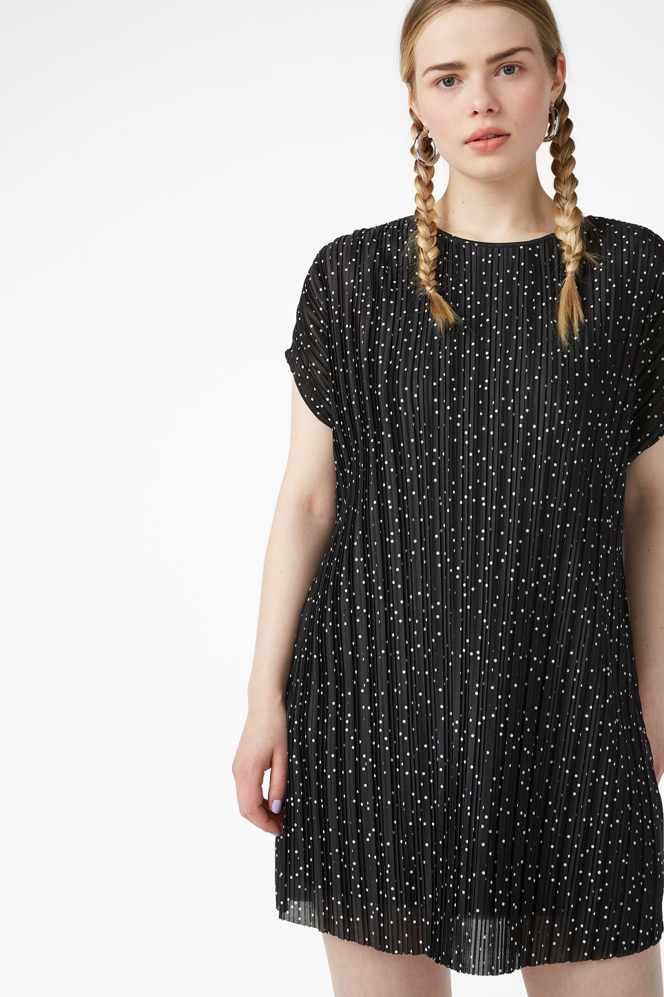 Model front image of Monki pleated t-shirt dress in black