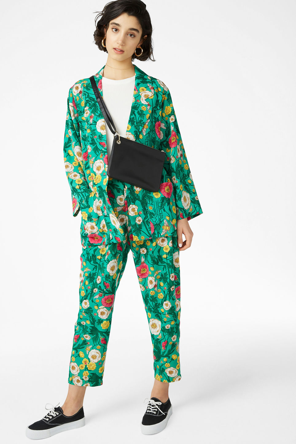 Model side image of Monki long blazer in green