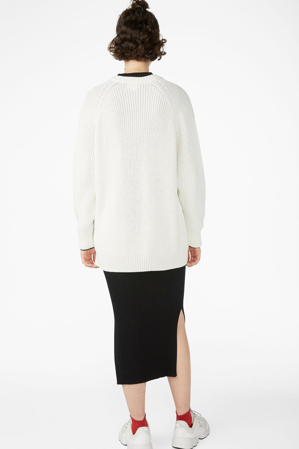 Model back image of Monki thick knit sweater in white