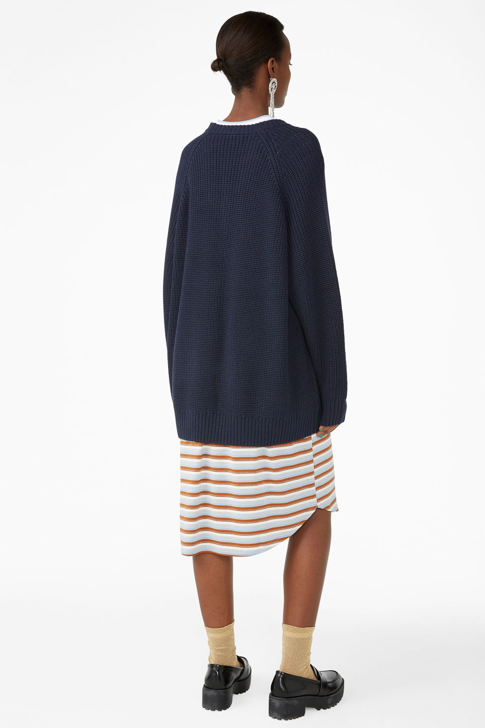 Model back image of Monki thick knit sweater in blue