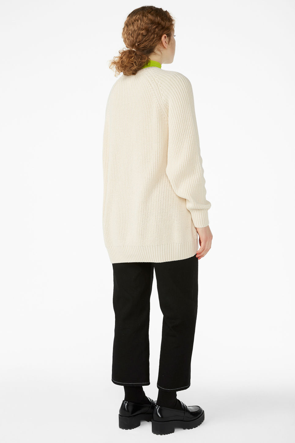 Model back image of Monki thick knit sweater in beige