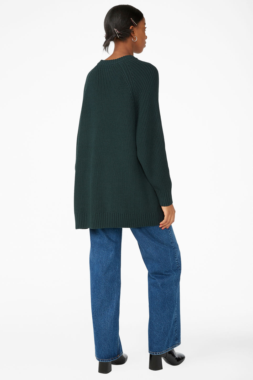 Model back image of Monki thick knit sweater in green