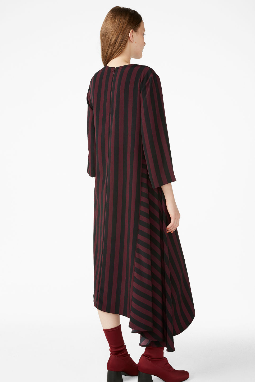 Model back image of Monki asymetrical maxi dress in red