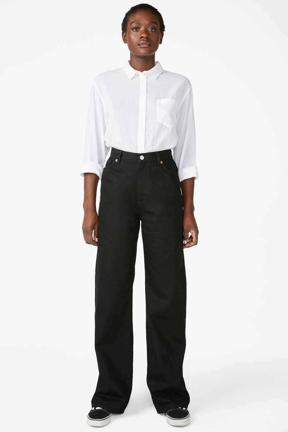 Model front image of Monki yoko black jeans in black