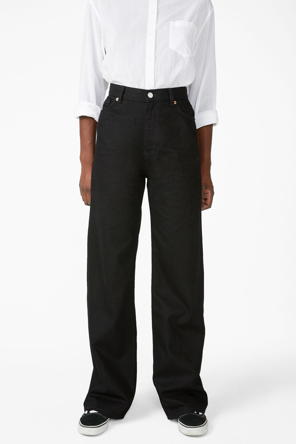 Model side image of Monki yoko black jeans in black