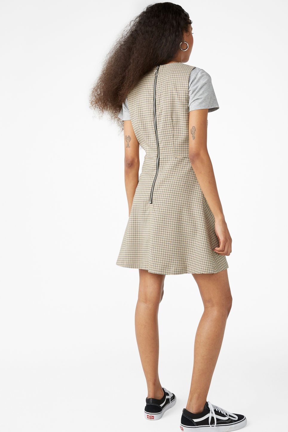 Model back image of Monki sleeveless dress in yellow