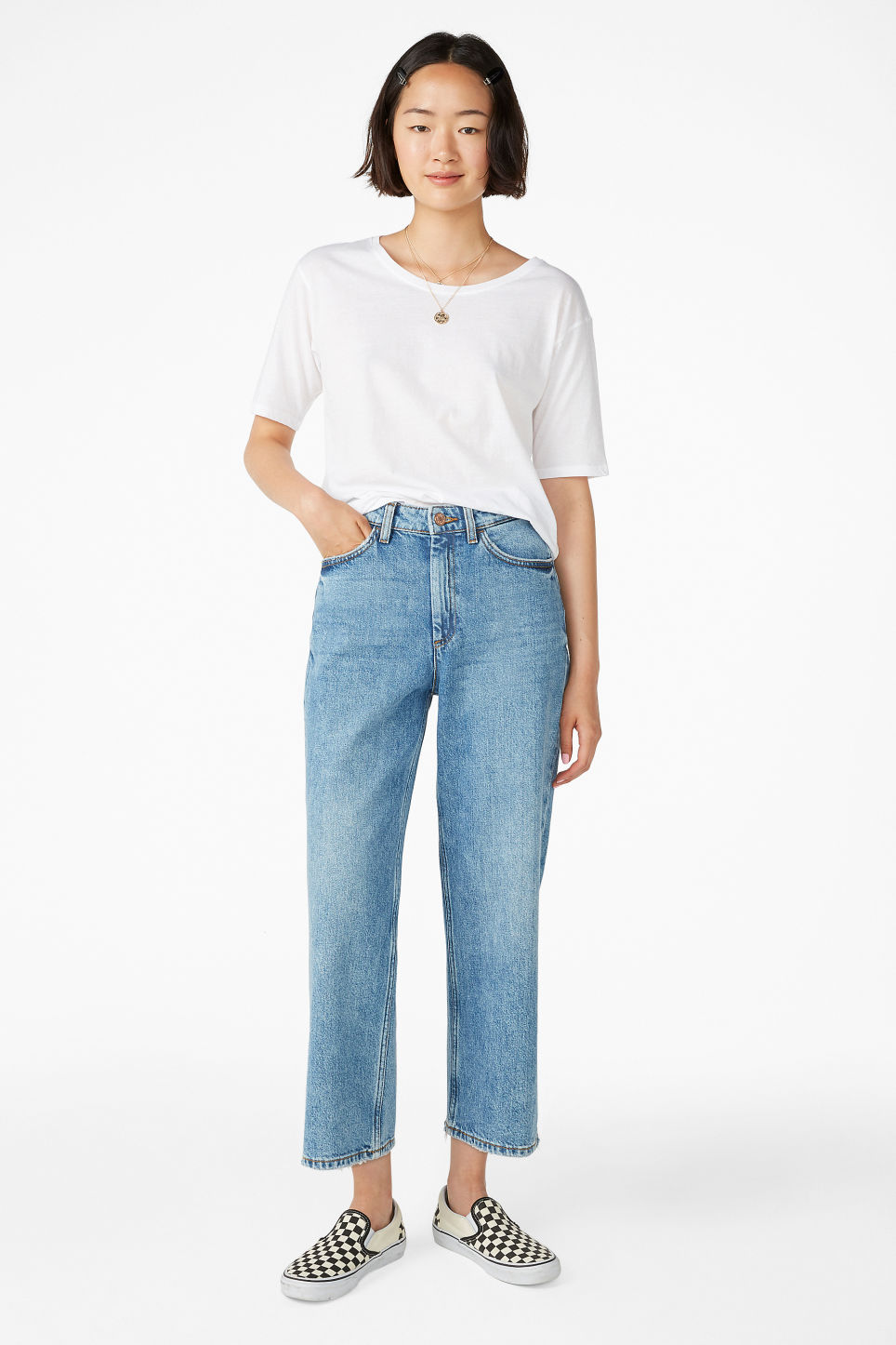 Model front image of Monki mozik jeans in blue