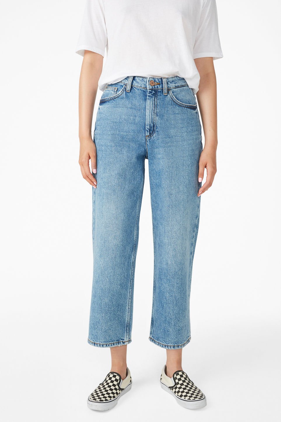 Model side image of Monki mozik jeans in blue