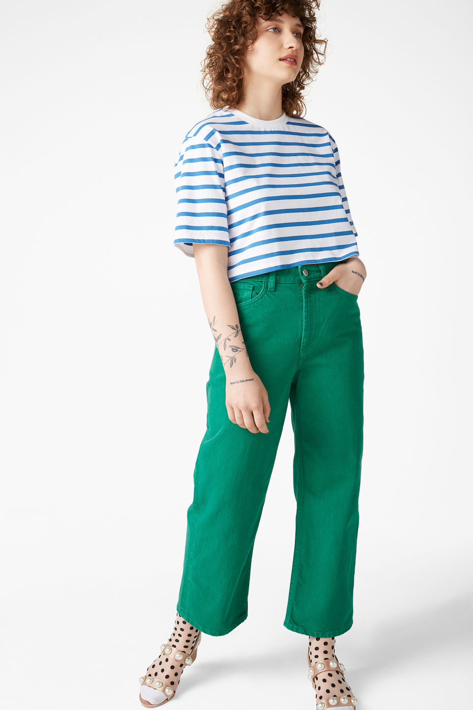Model front image of Monki mozik jeans in green