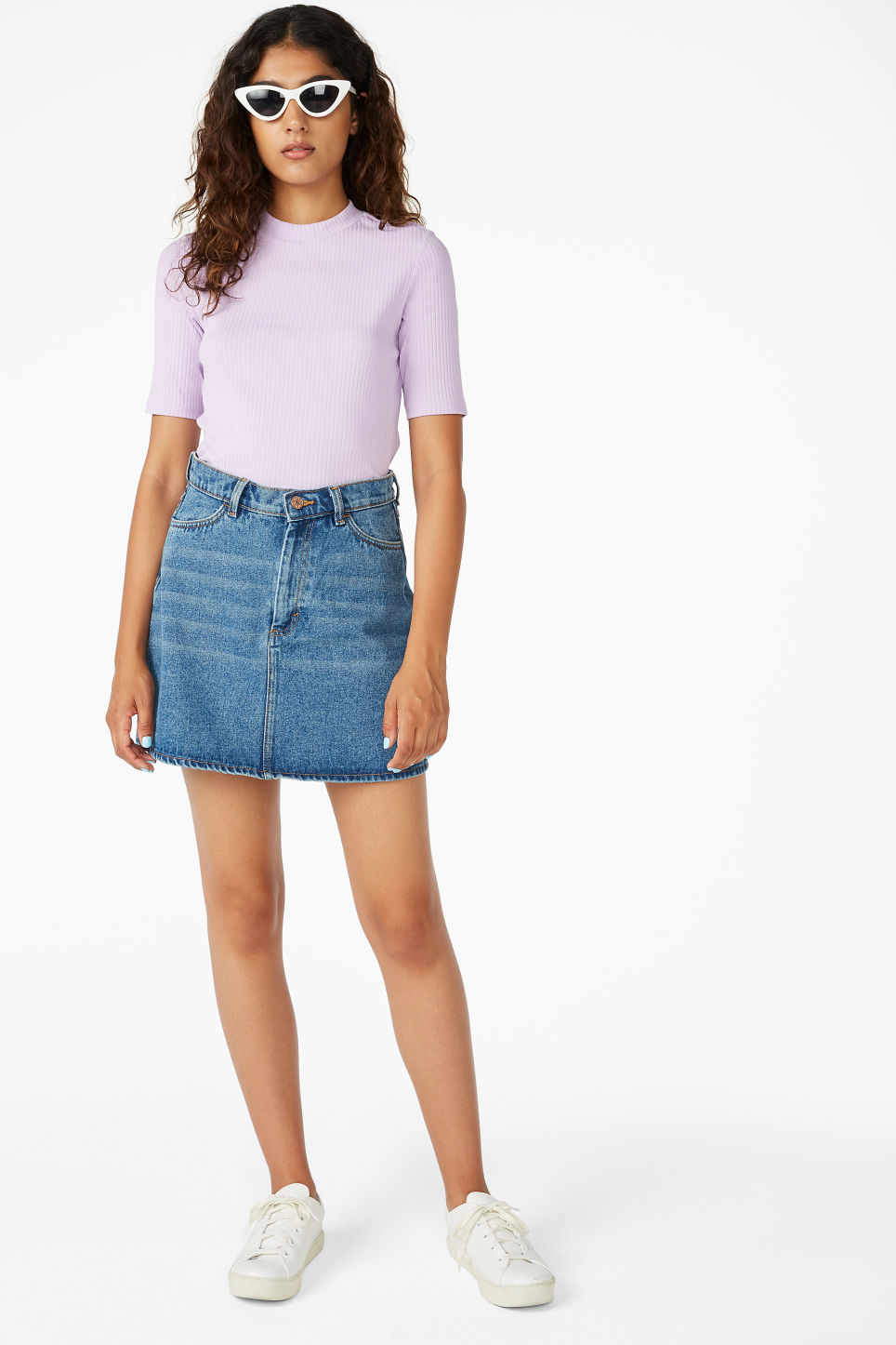Model front image of Monki ribbed top in purple