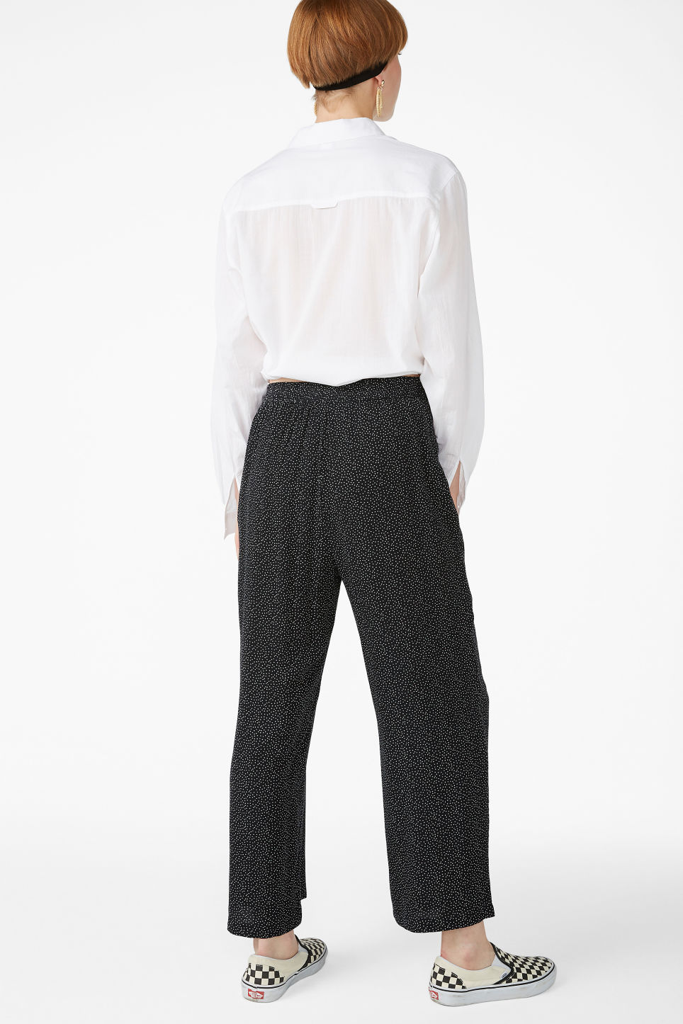 Model back image of Monki relaxed pull-on trousers in black