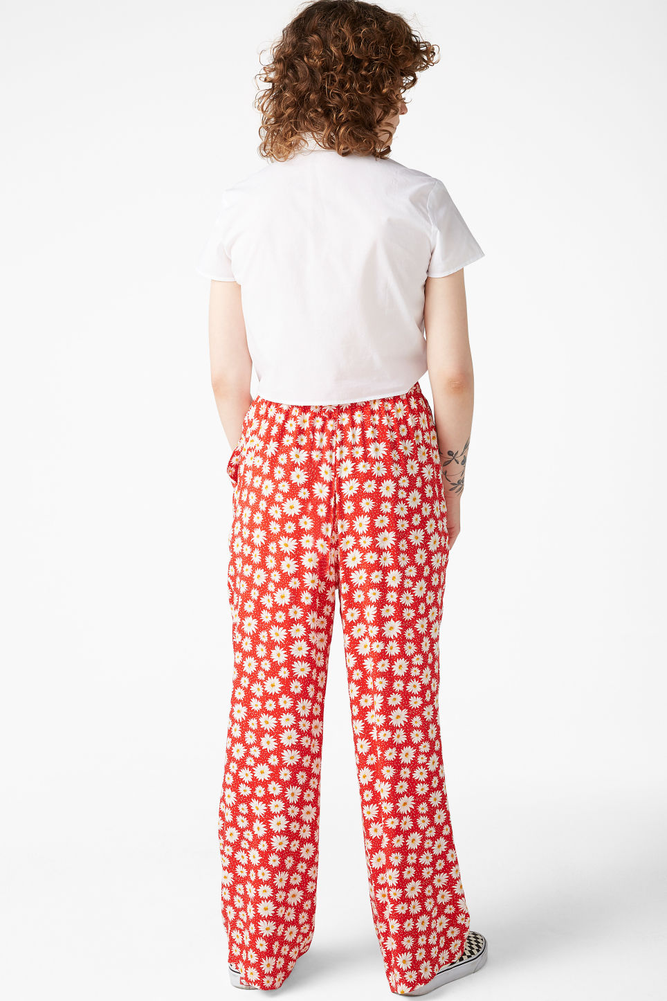 Model back image of Monki relaxed pull-on trousers in red