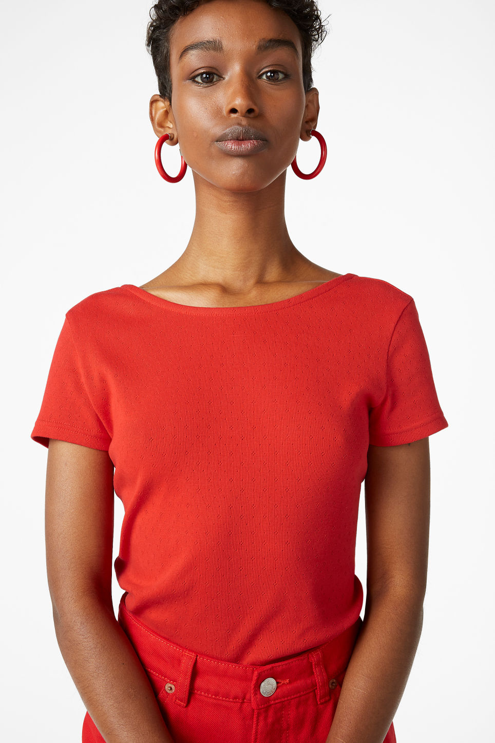 Model front image of Monki cotton top in red