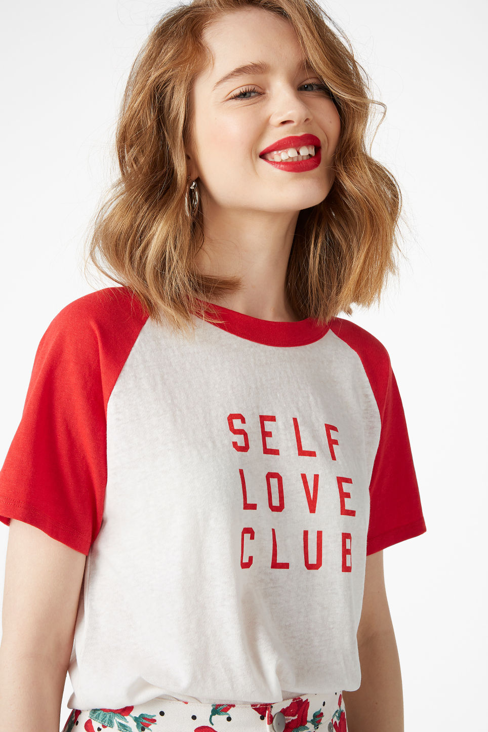 Model front image of Monki burnout wash tee  in red