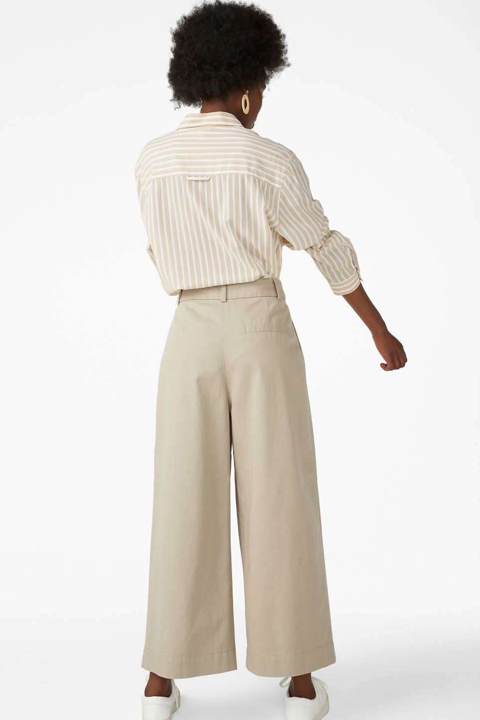 Model back image of Monki wide leg cotton trousers in beige