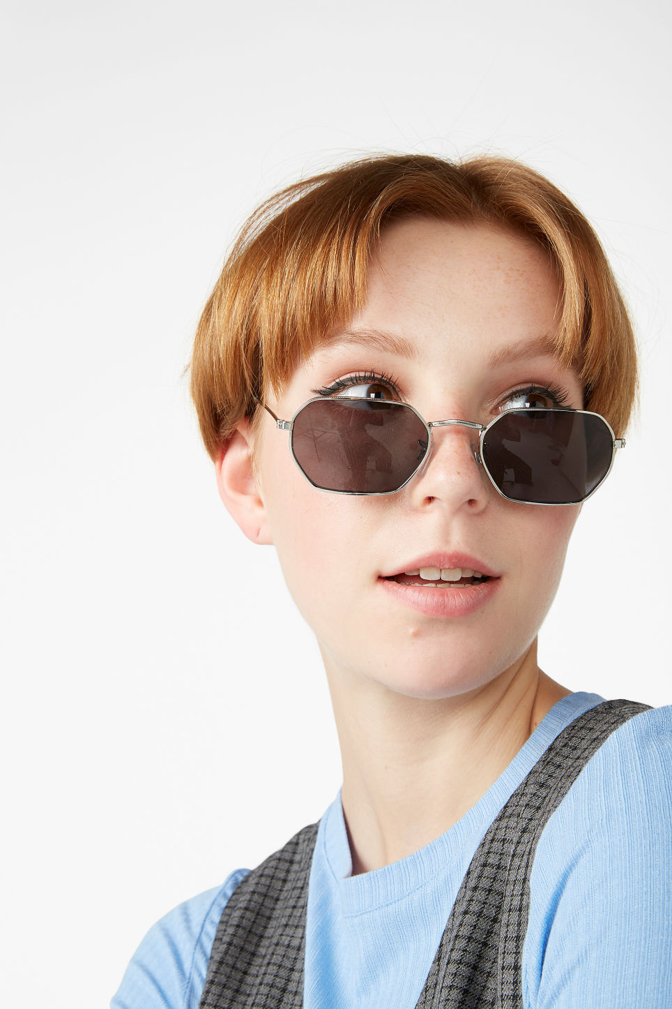 Model front image of Monki almost square sunglasses  in black