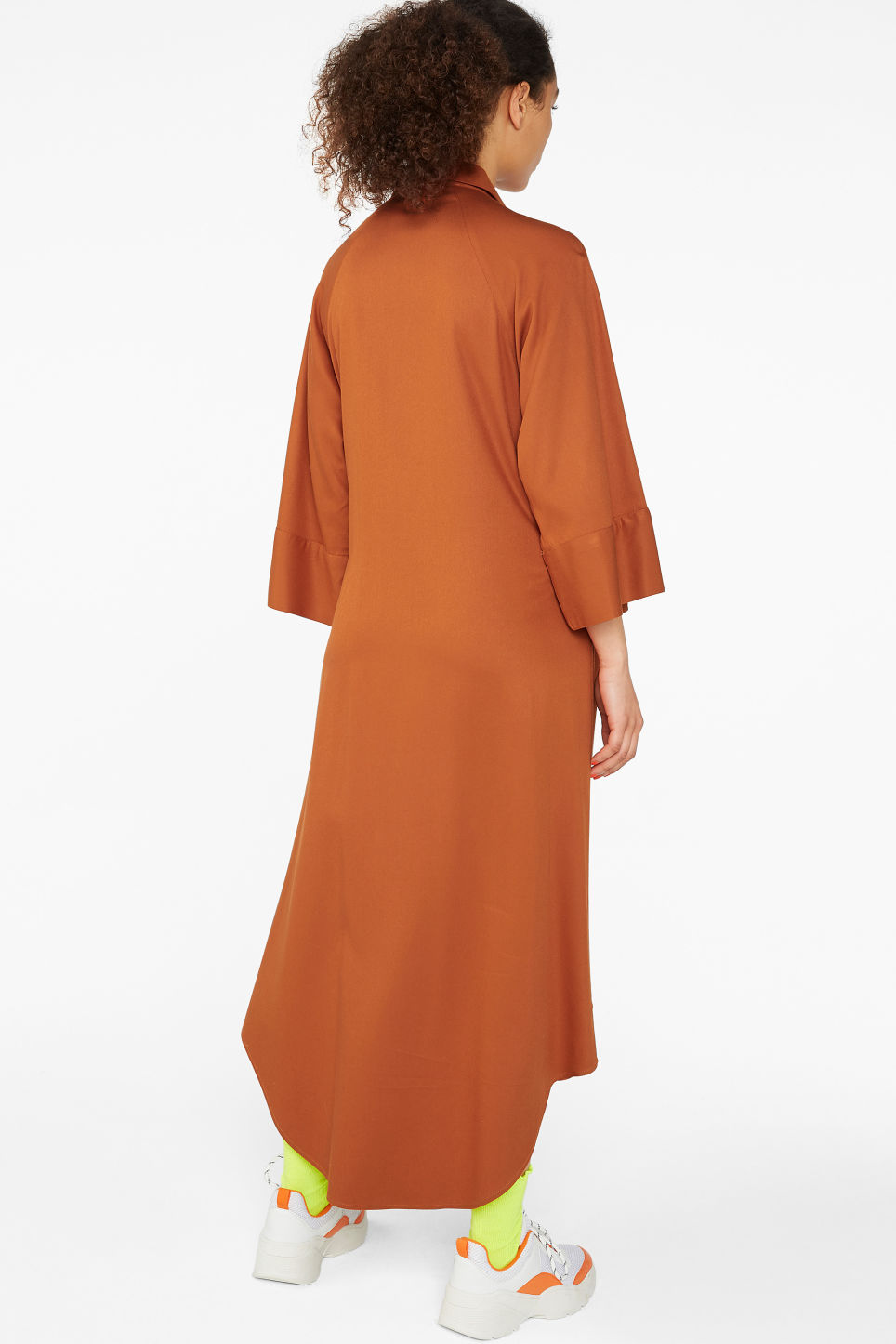 Model back image of Monki belted shirt dress in orange