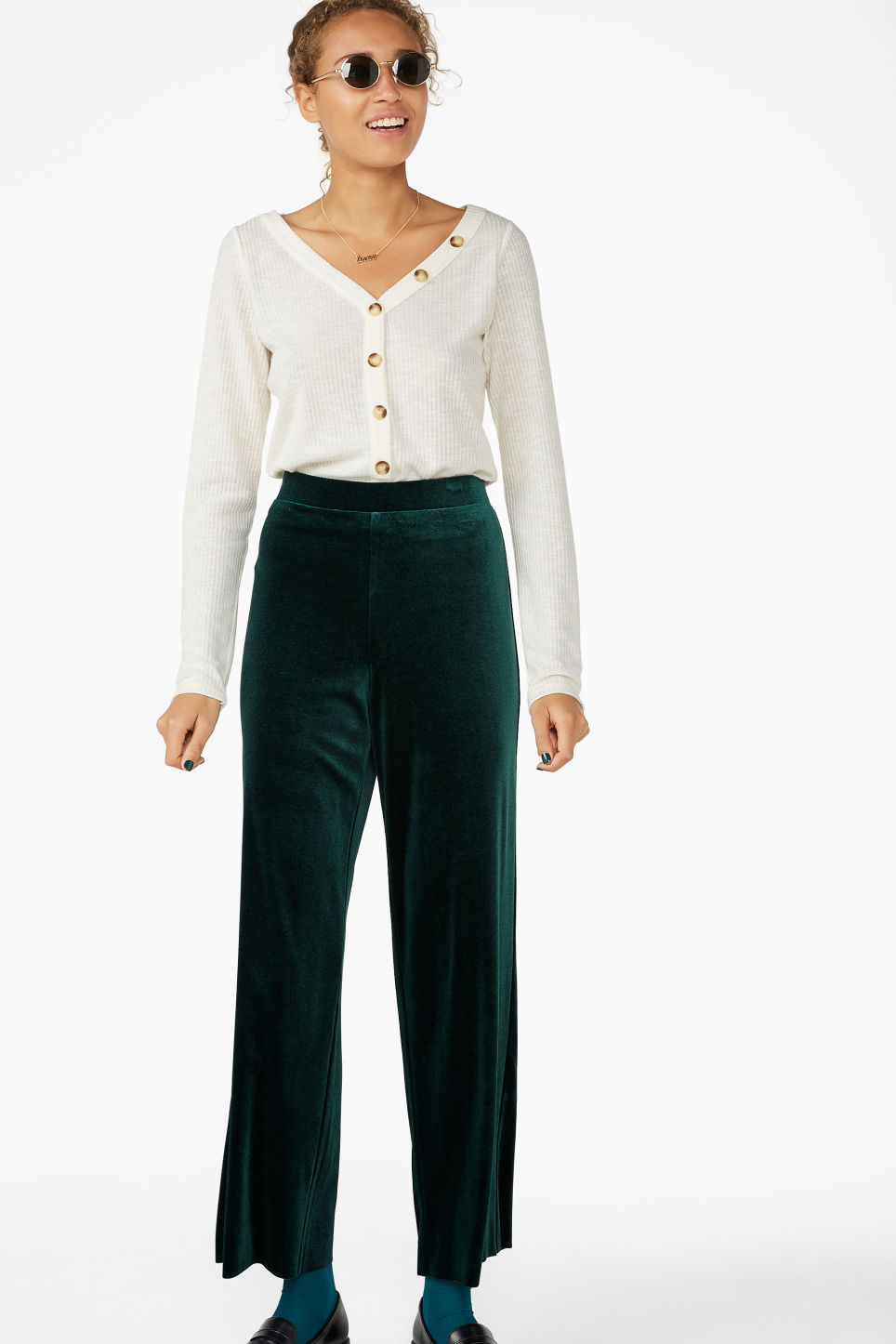 Model front image of Monki wide velvet trousers in green