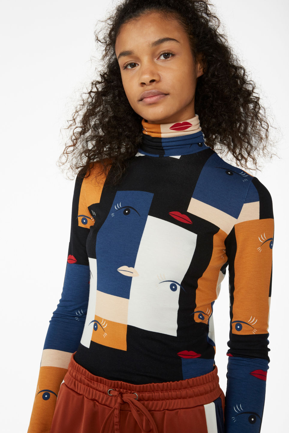 Model front image of Monki stretchy turtleneck top in blue