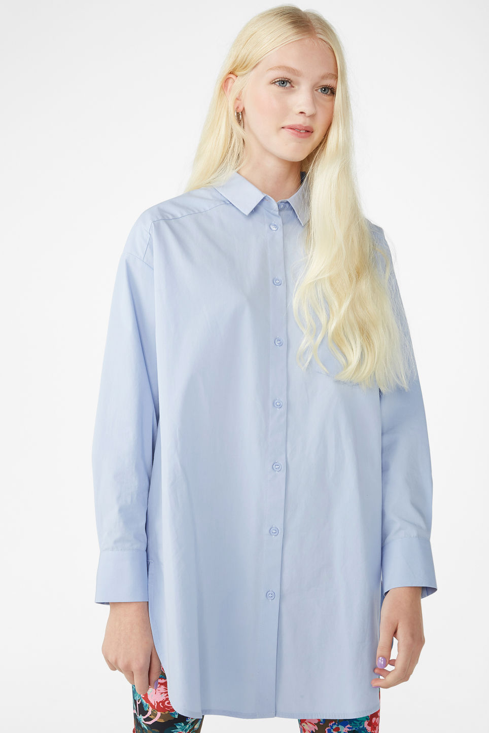 Model front image of Monki oversized cotton shirt in blue