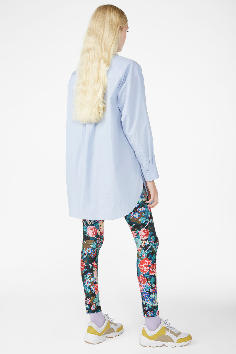 Model back image of Monki oversized cotton shirt in blue