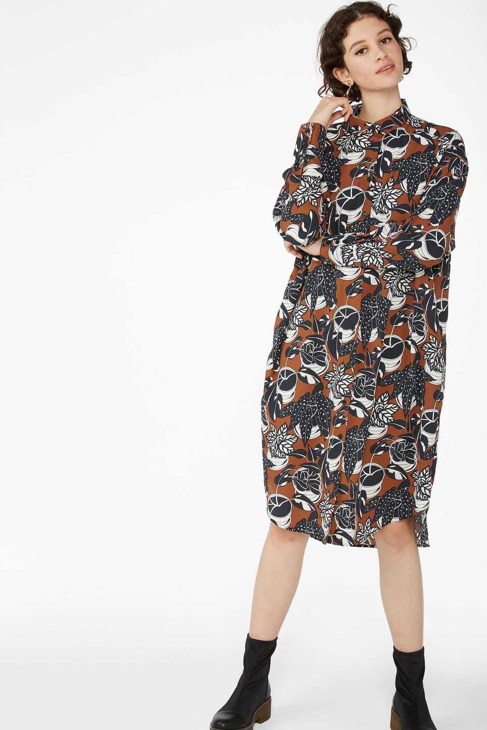 Model front image of Monki button-up shirt dress in orange