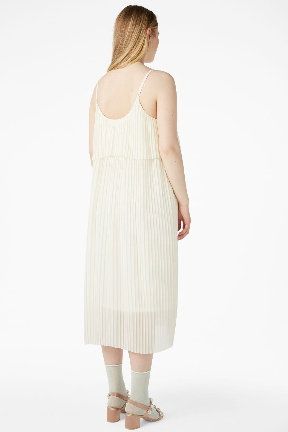 Model back image of Monki plissé slip dress in white