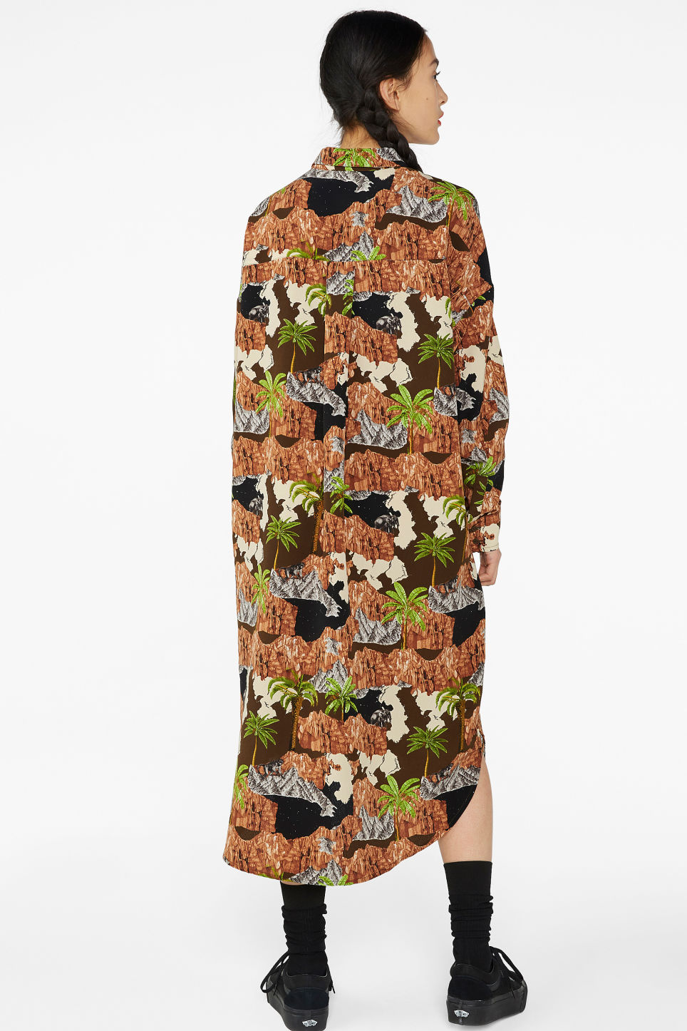Model back image of Monki long hidden button dress in brown
