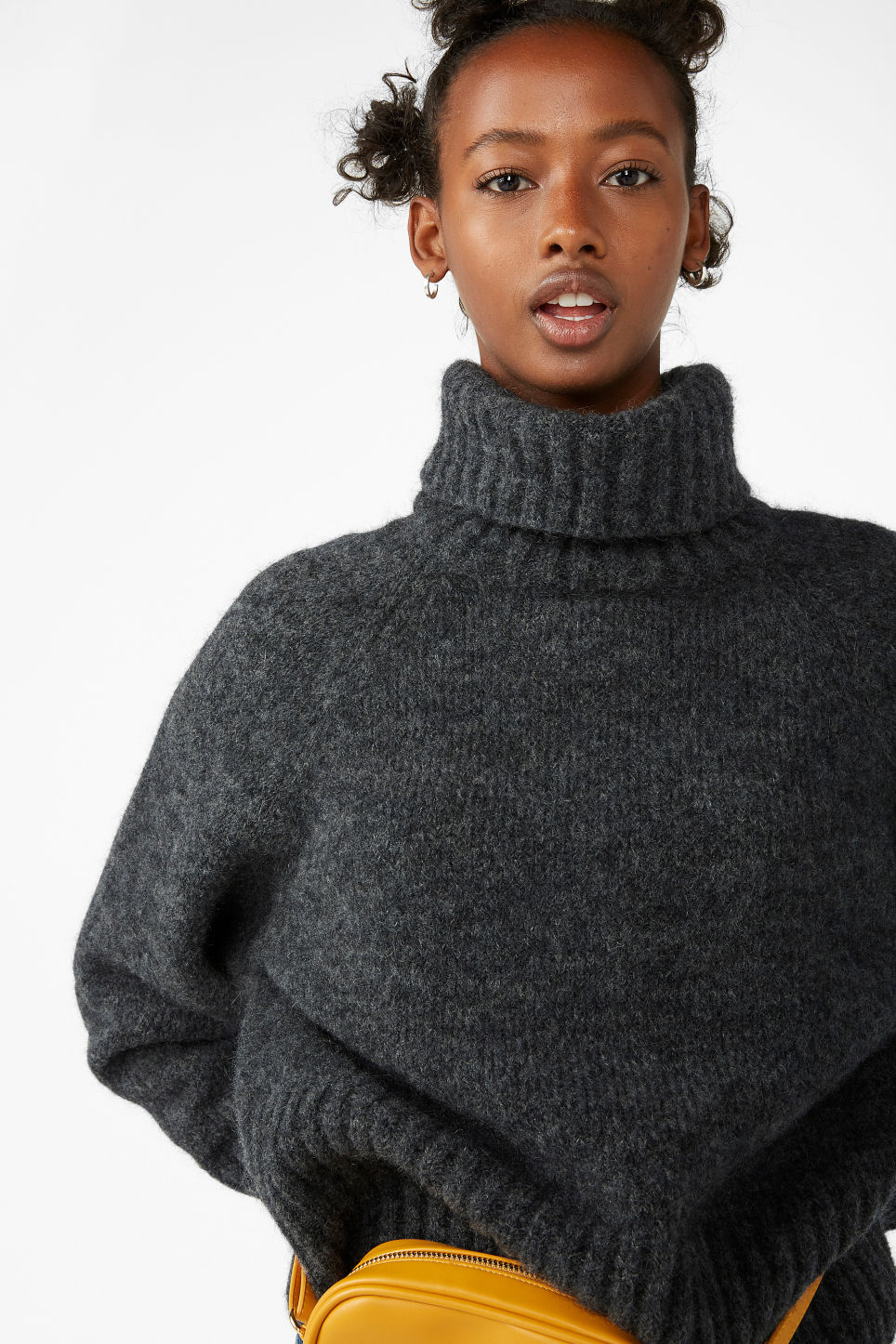 Model front image of Monki raglan knit top in grey
