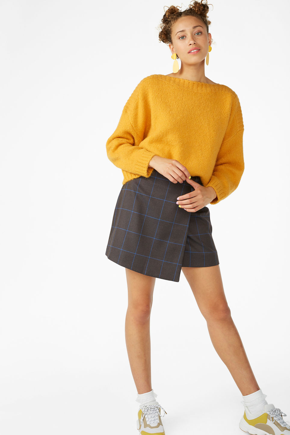 Model front image of Monki soft knit top in yellow