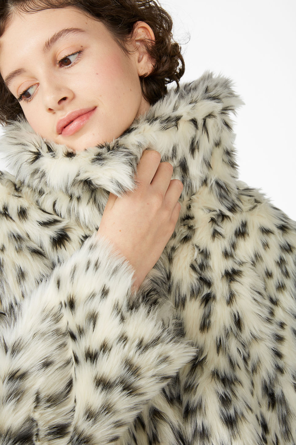 Model front image of Monki faux fur jacket in white