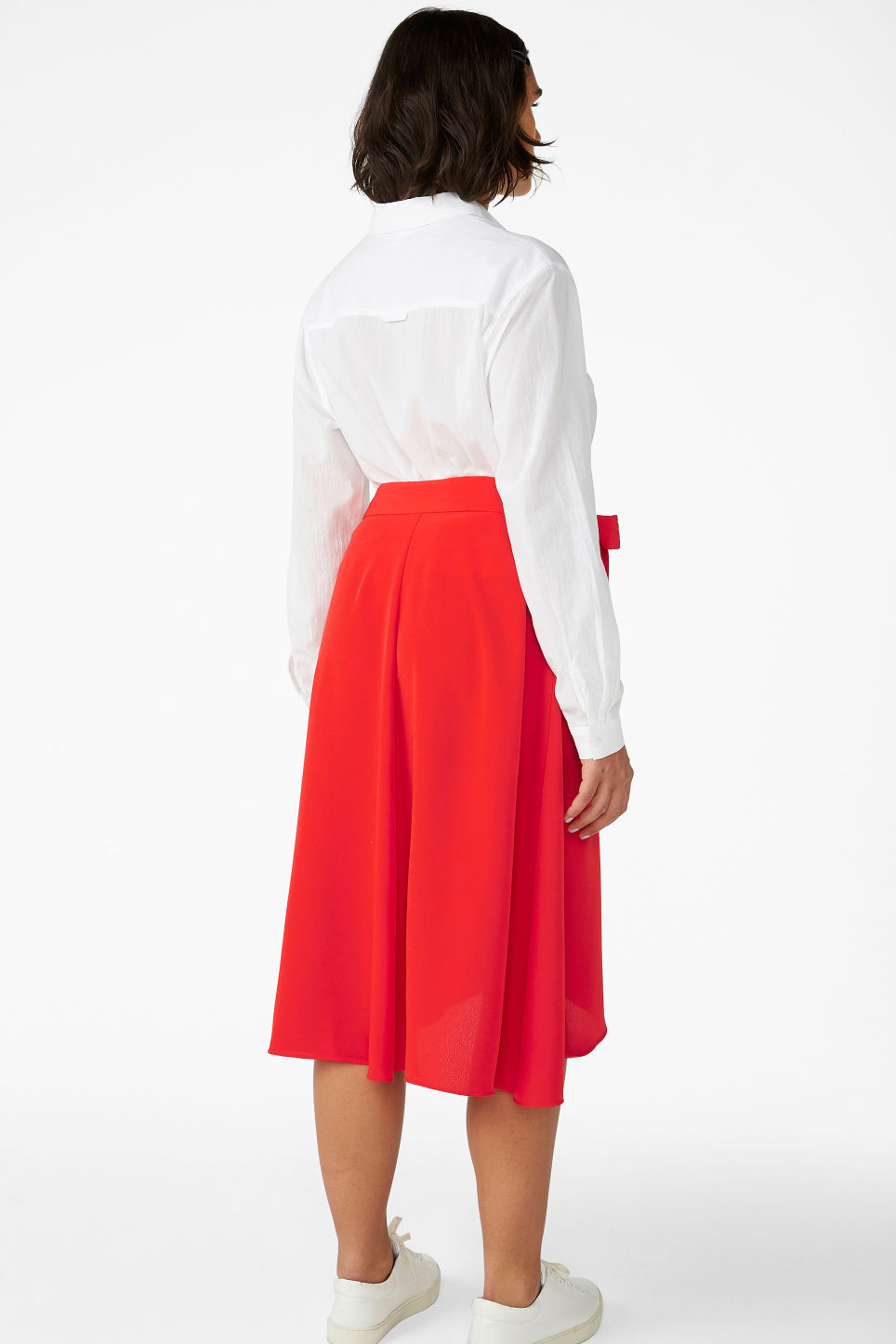 Model back image of Monki wrap front skirt in red