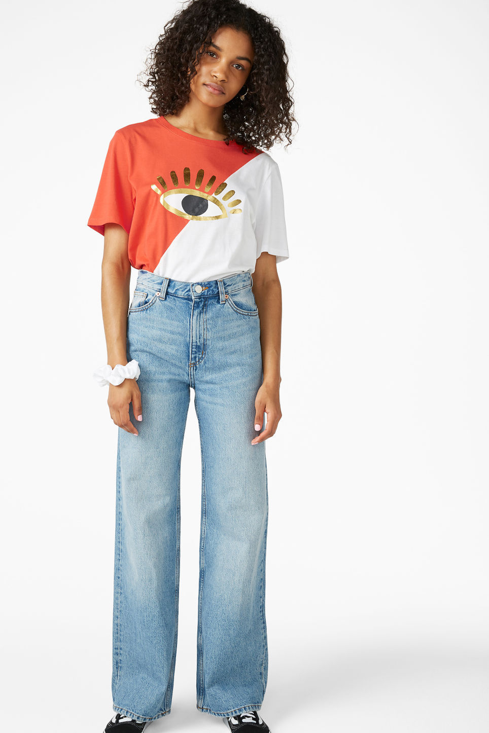 Model front image of Monki oversized block tee in white