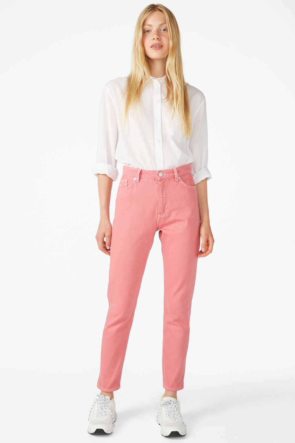 Model front image of Monki kimomo jeans in pink