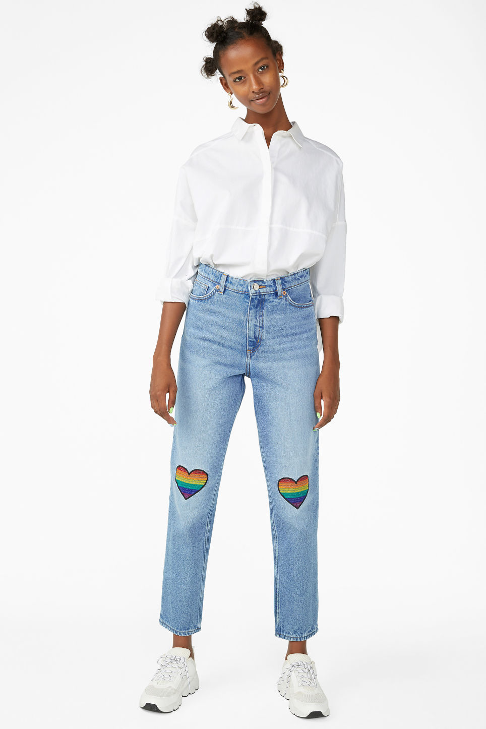 Model front image of Monki taiki rainbow jeans in blue
