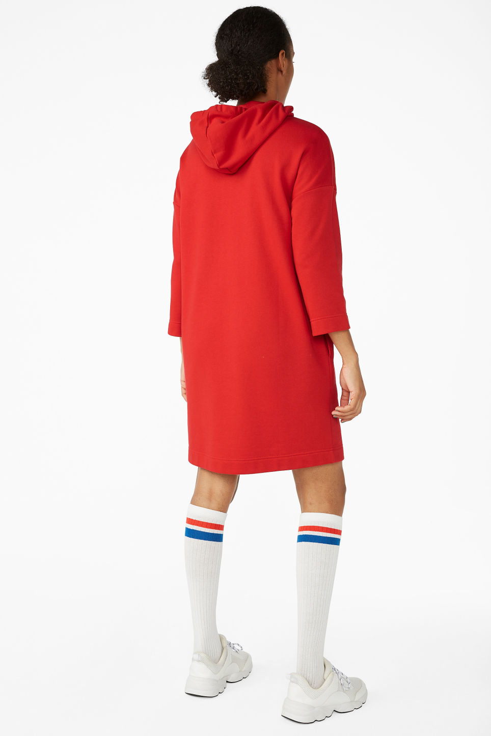 Model back image of Monki long hoodie dress in red
