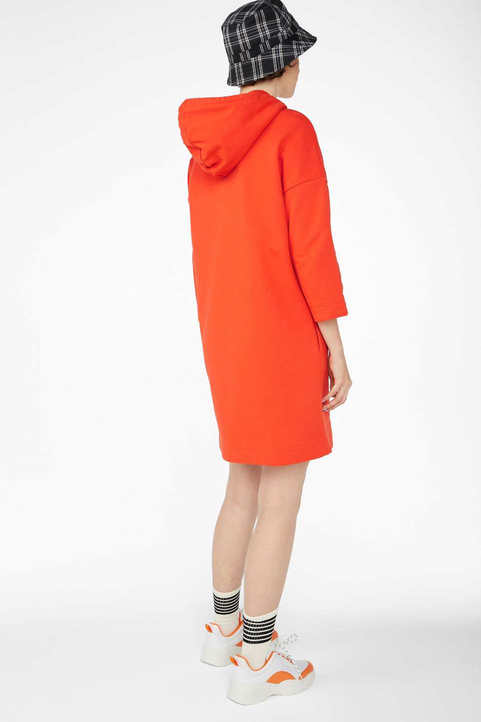 Model back image of Monki long hoodie dress in orange