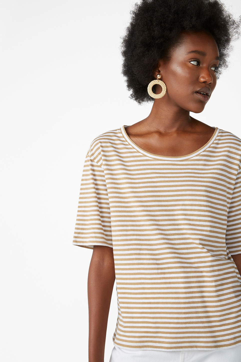 Model front image of Monki organic cotton t-shirt in beige