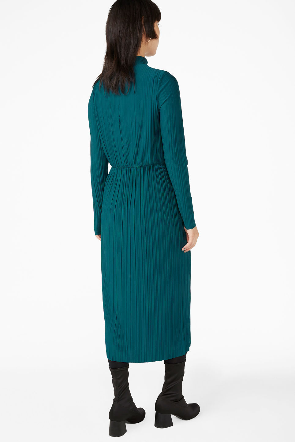 Model back image of Monki creased turtleneck dress in green