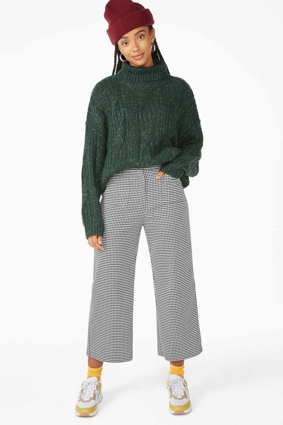 Model front image of Monki sweater turtleneck  in green