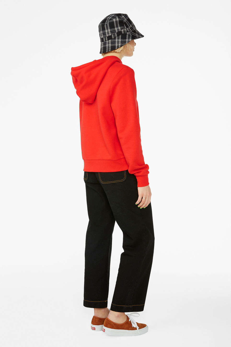 Model back image of Monki classic hoodie in red