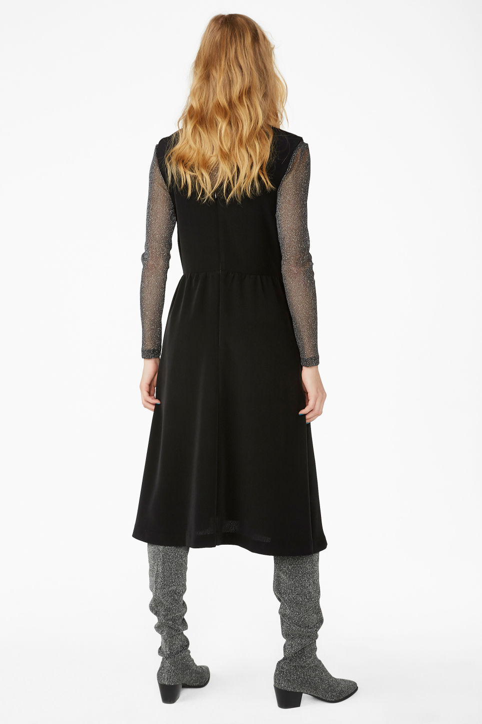 Model back image of Monki v-neck dress in black