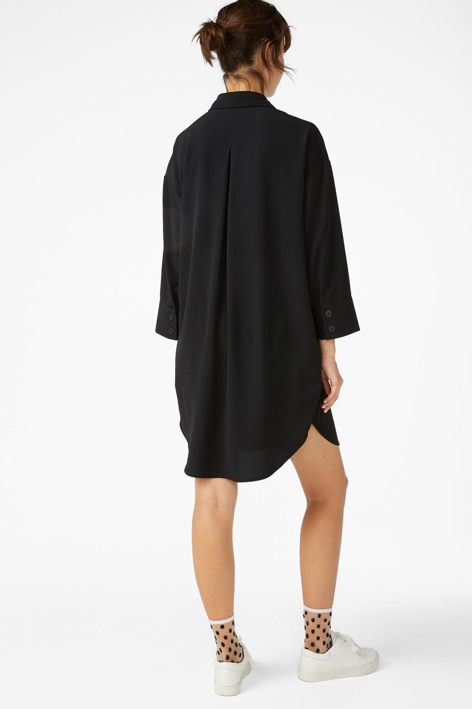 Model back image of Monki classic wide shirt dress  in black