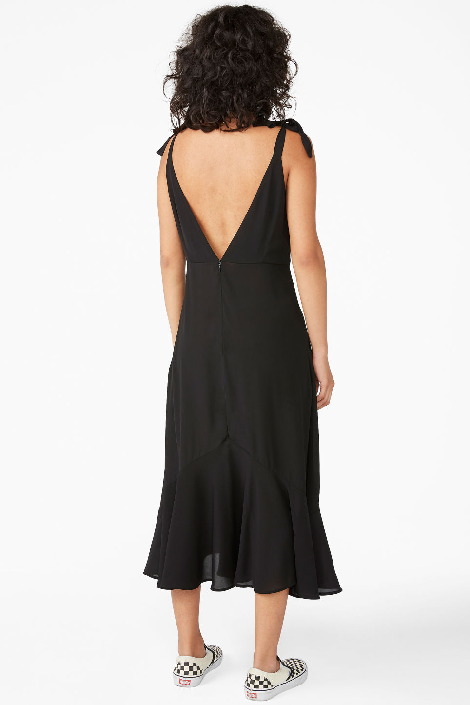 Model back image of Monki romantic dress in black