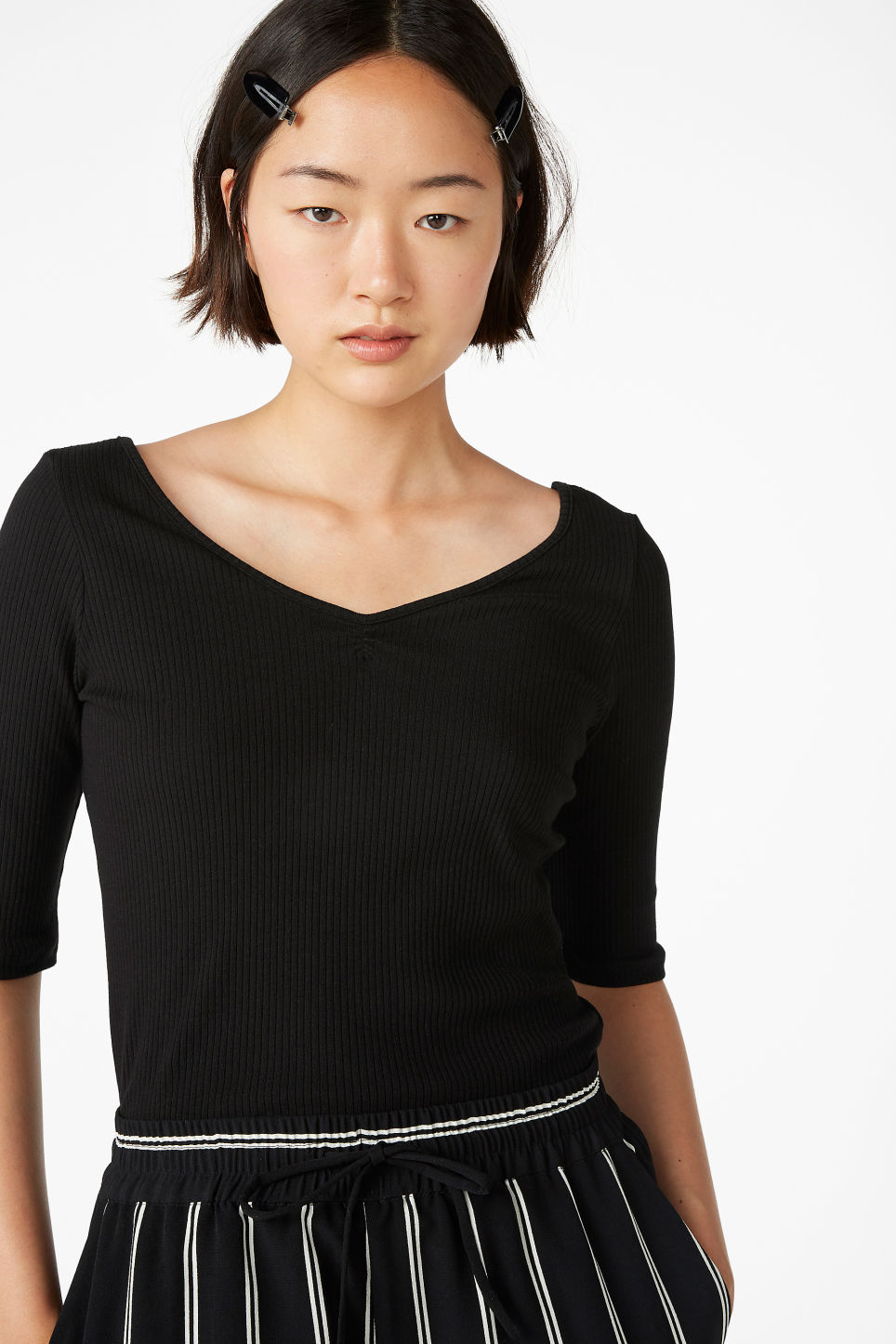 Model front image of Monki bow-in-the-back top  in black