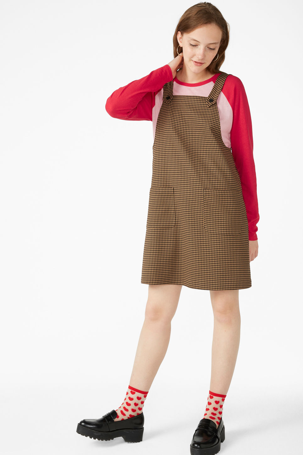 Model front image of Monki houndstooth dress in beige