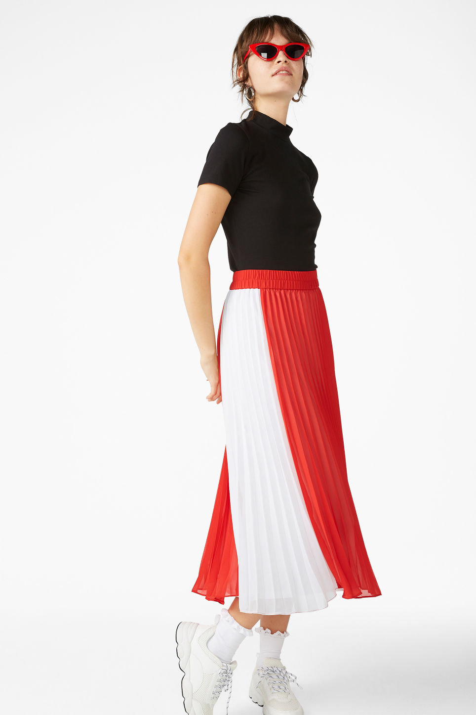 Model front image of Monki flowy midi skirt in red