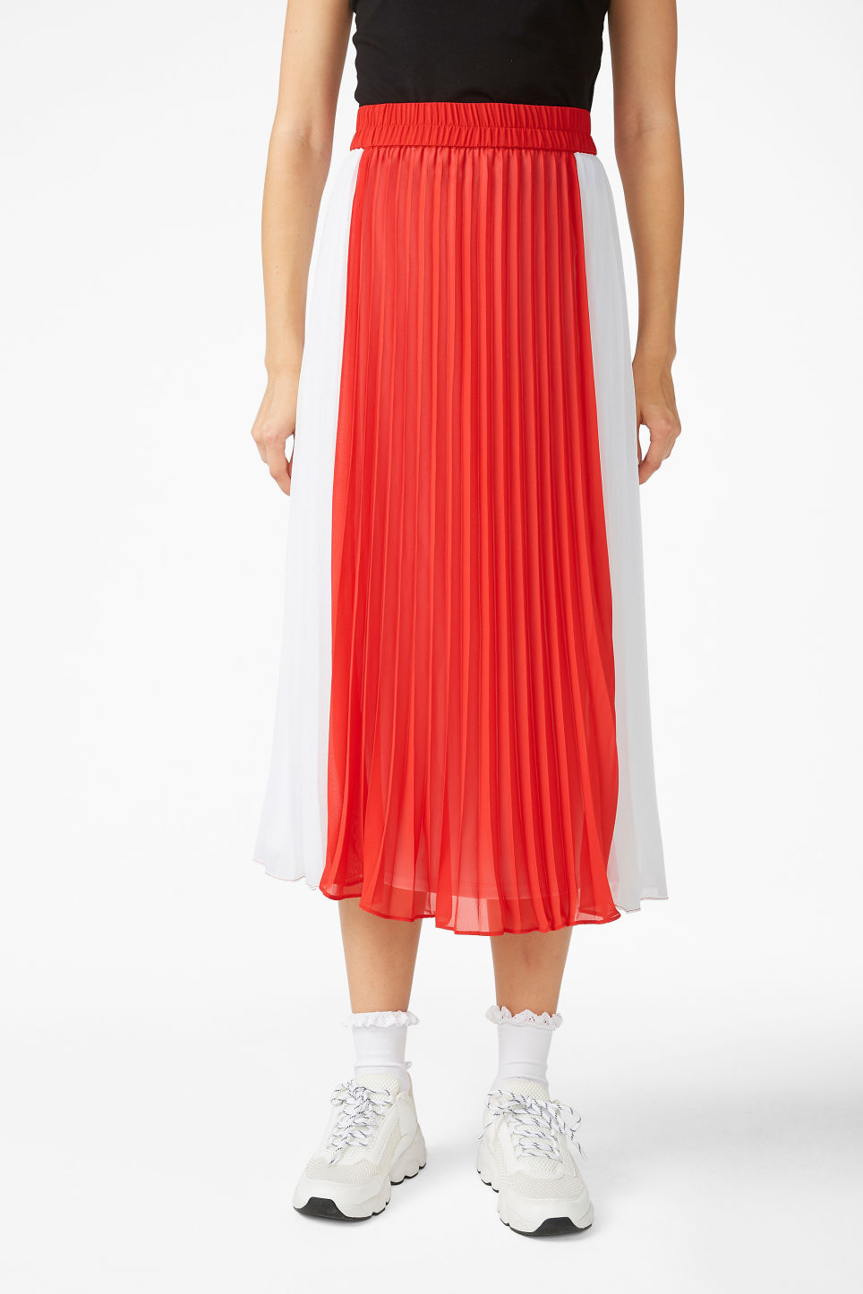 Model side image of Monki flowy midi skirt in red